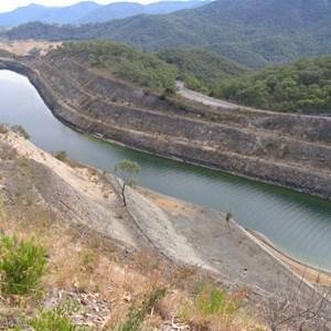 Headrace channel to pipeline inlet