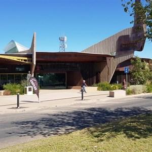 Entrance & cafe - Waltzing Matilda Centre
