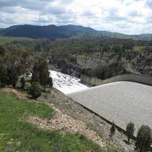 Spillway chute and plunge pool