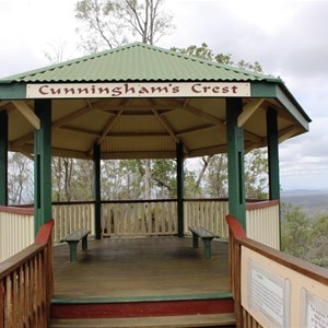 The lookout shelter at Cunninghams Rise Lookout