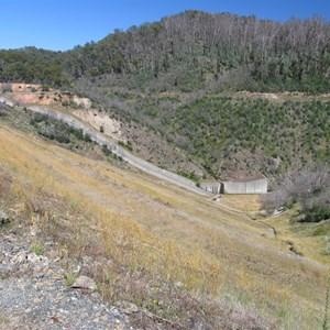 Ungated open chute concrete spillway